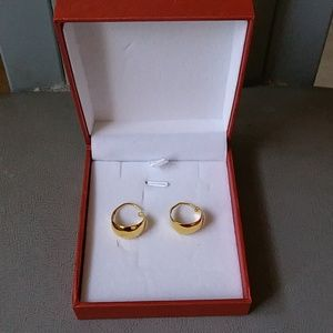 Solid 24k Yellow Gold earrings brand new